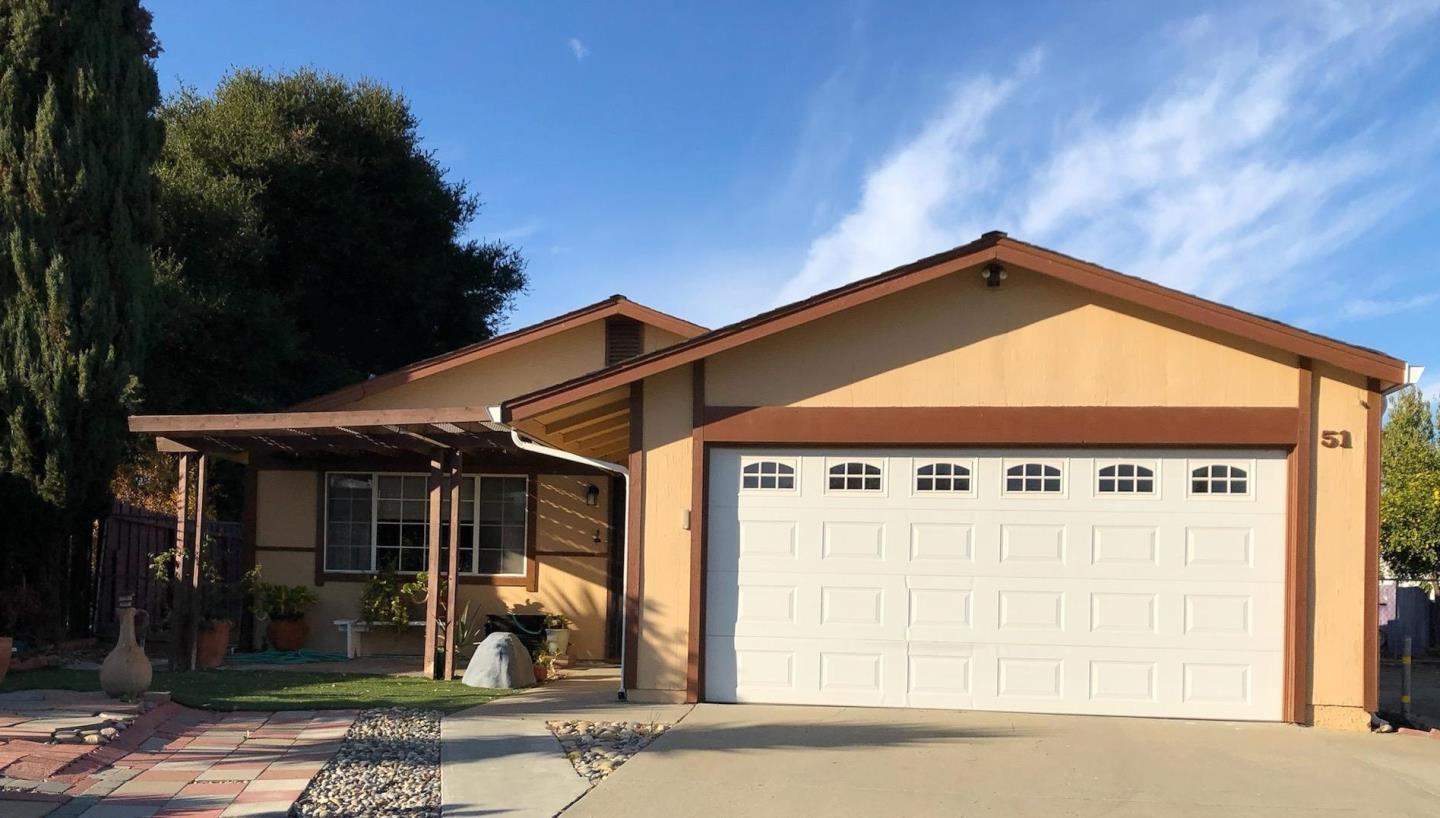 Detail Gallery Image 1 of 1 For 51 Azul Ct, Hollister,  CA 95023 - 3 Beds   2 Baths