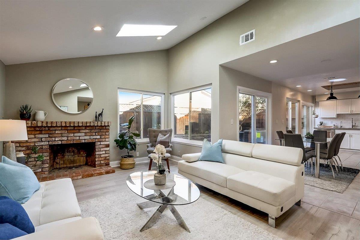 Detail Gallery Image 1 of 1 For 1539 Willowhaven Ct, San Jose,  CA 95126 - 3 Beds | 2 Baths