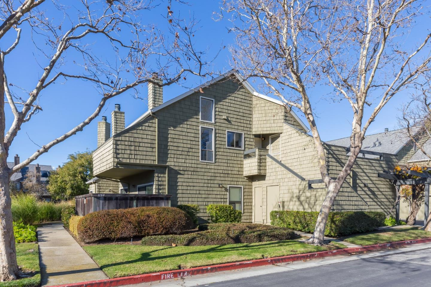 Detail Gallery Image 1 of 1 For 1157 Shoreline Dr, San Mateo,  CA 94404 - 1 Beds | 1/1 Baths