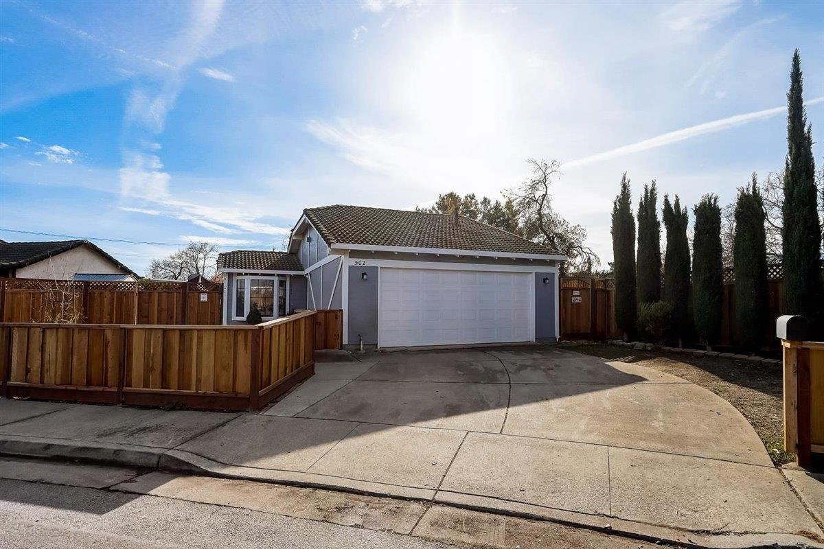 Detail Gallery Image 1 of 1 For 502 Hadley Ct, Gilroy,  CA 95020 - 2 Beds | 1 Baths