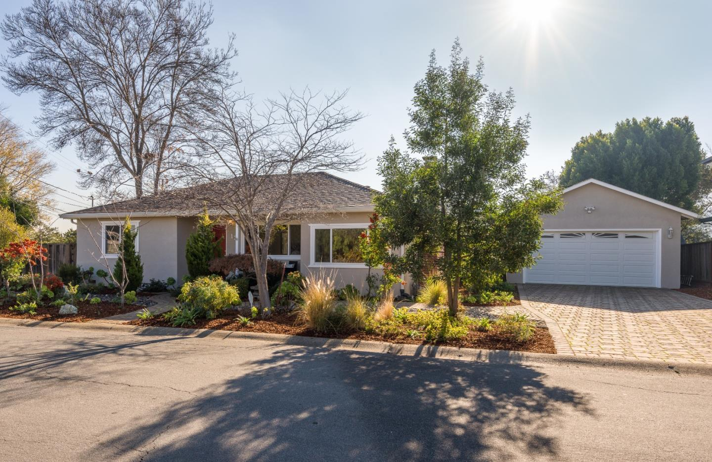 Detail Gallery Image 1 of 1 For 19 W Summit Dr, Redwood City,  CA 94062 - 3 Beds | 2 Baths