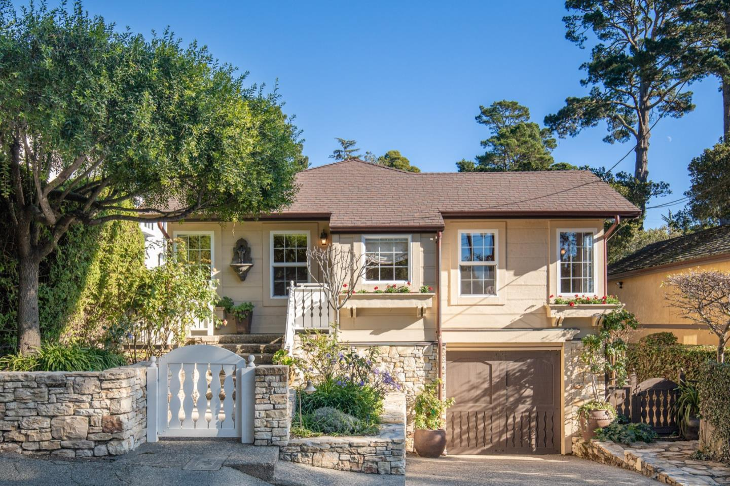 Detail Gallery Image 1 of 1 For 0 Guadalupe 4 Se Of 7th Ave, Carmel,  CA 93921 - 2 Beds | 2 Baths