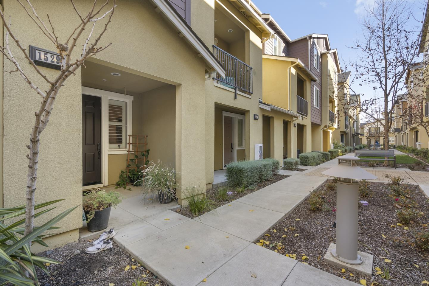 Detail Gallery Image 1 of 1 For 1529 Coyote Creek Way, Milpitas,  CA 95035 - 3 Beds | 2/1 Baths