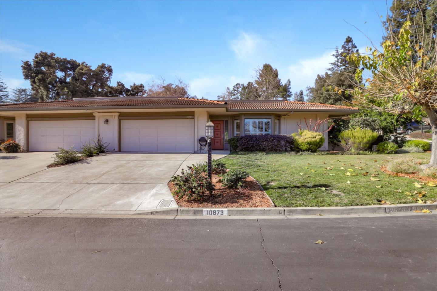 Detail Gallery Image 1 of 58 For 10873 Canyon Vista Dr, Cupertino,  CA 95014 - 2 Beds   2 Baths