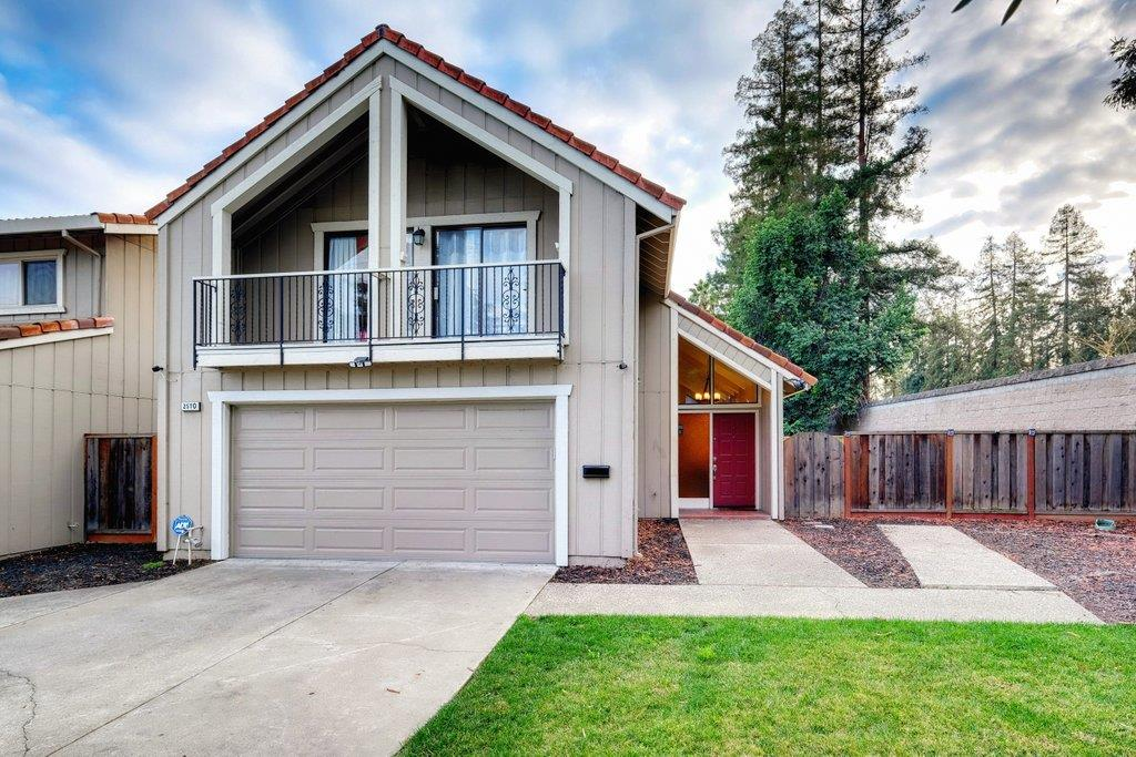 Detail Gallery Image 1 of 1 For 2570 Downing Ave, San Jose,  CA 95128 - 3 Beds | 2/1 Baths