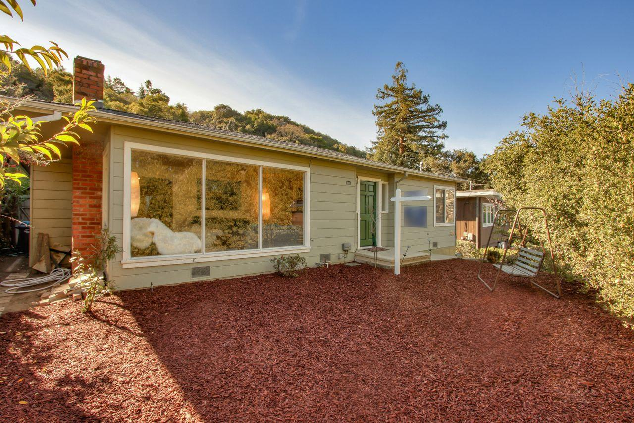Detail Gallery Image 1 of 53 For 207 & 207a Manor Dr, San Carlos,  CA 94070 - 3 Beds | 2 Baths