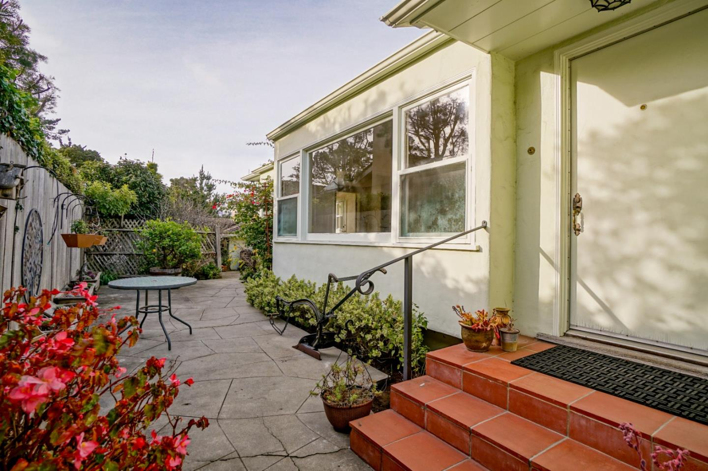 Detail Gallery Image 1 of 1 For 0 Sw Corner San Carlos & 8th Ave, Carmel,  CA 93921 - 2 Beds | 1/1 Baths