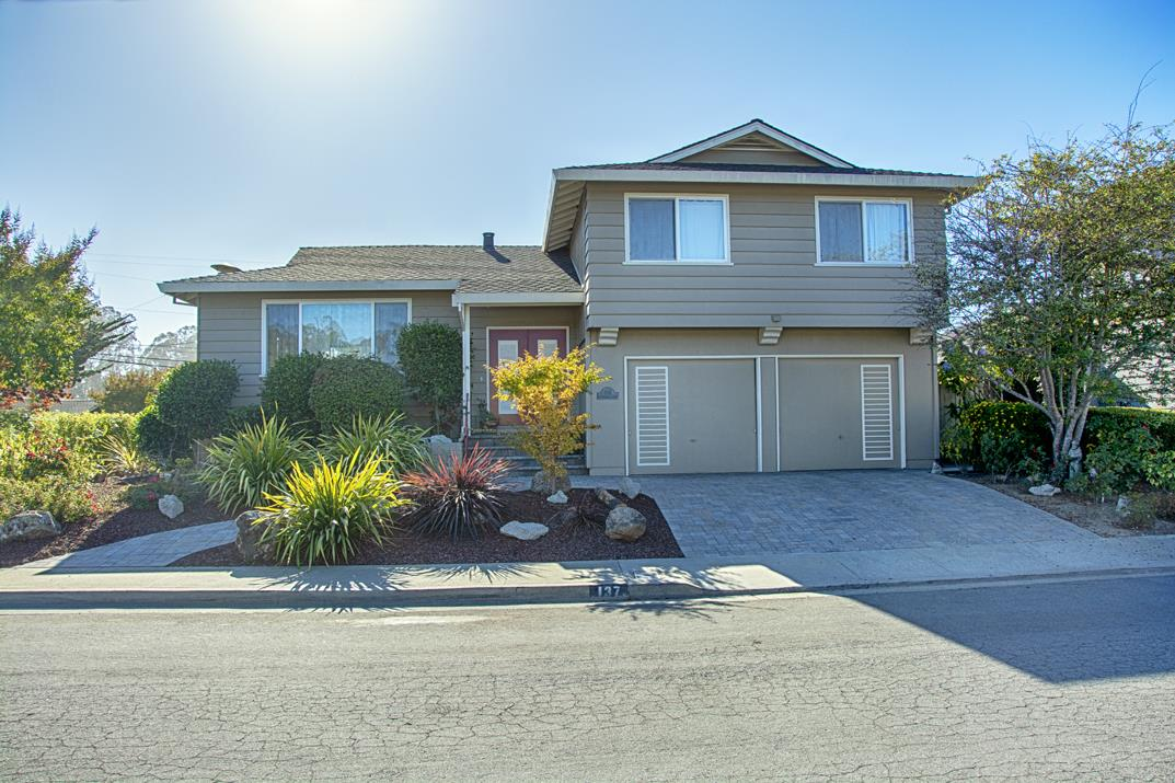 Detail Gallery Image 1 of 1 For 137 Sir Francis Ct, Capitola,  CA 95010 - 4 Beds   3/1 Baths