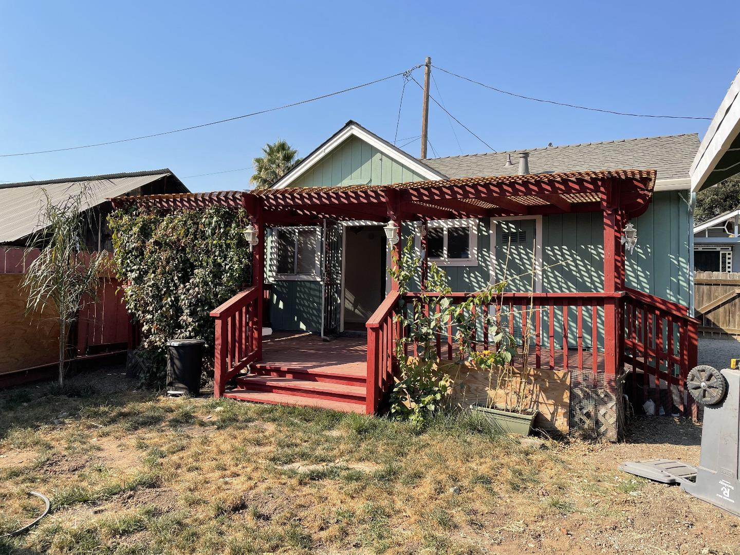 Detail Gallery Image 1 of 1 For 20 Rustic St, Hollister,  CA 95023 - 2 Beds | 1 Baths