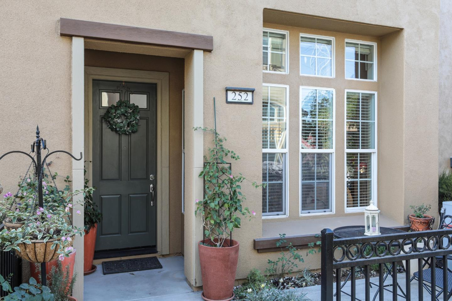 Detail Gallery Image 1 of 1 For 252 Ginko Ter, Sunnyvale,  CA 94086 - 3 Beds   2/1 Baths