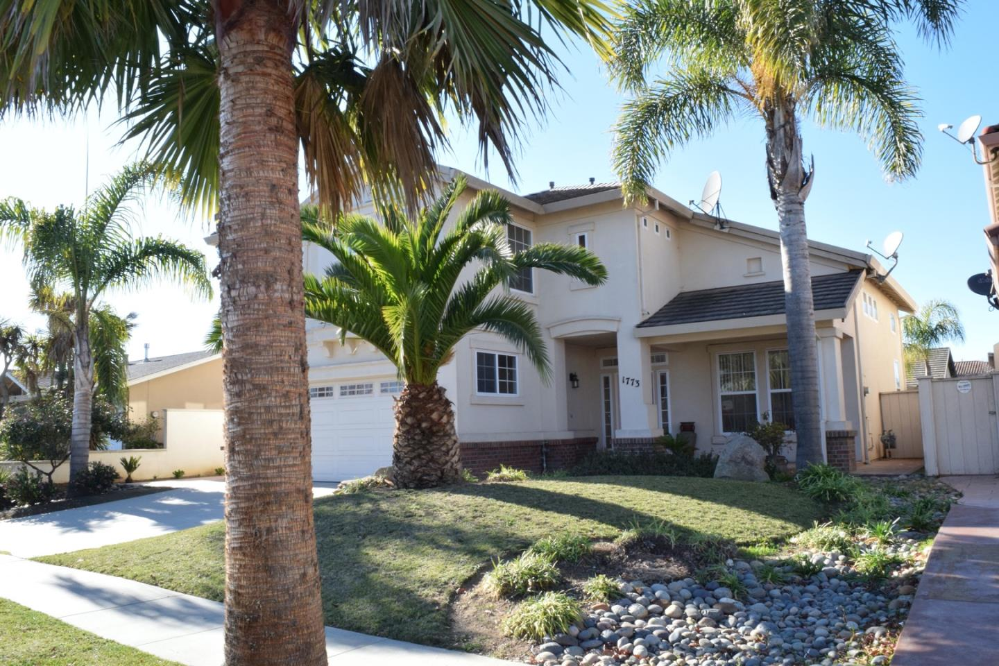 Detail Gallery Image 1 of 24 For 1773 Klamath Dr, Salinas,  CA 93906 - 4 Beds   2/1 Baths