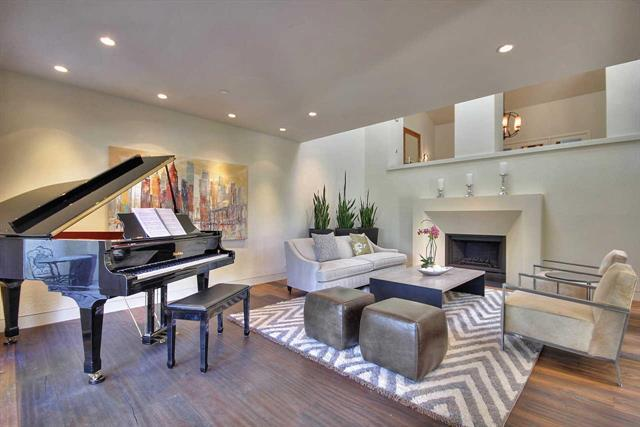 Detail Gallery Image 1 of 39 For 415 Old Oak Court, Los Altos,  CA 94022 - 3 Beds | 2/2 Baths
