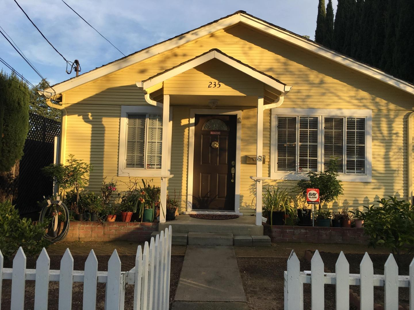 Detail Gallery Image 1 of 1 For 235 View St, Mountain View,  CA 94041 - 3 Beds   1 Baths