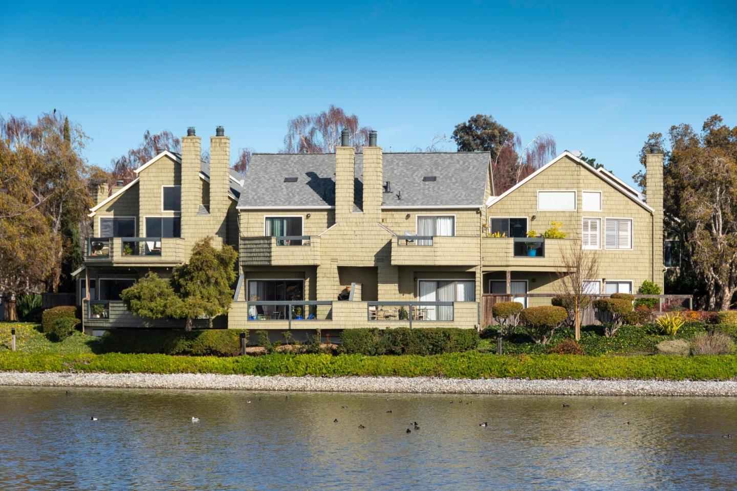 Detail Gallery Image 1 of 24 For 1116 Shoreline Dr, San Mateo,  CA 94404 - 2 Beds | 2 Baths