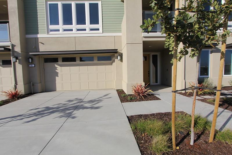 Detail Gallery Image 1 of 9 For 10 Island View Dr, Point Richmond,  CA 94801 - 2 Beds | 2/1 Baths