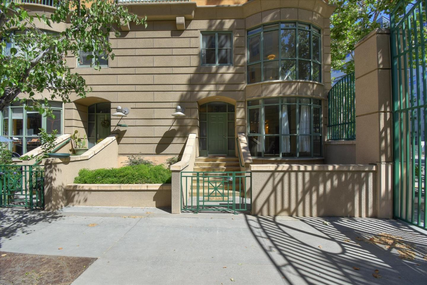Detail Gallery Image 1 of 1 For 144 S 3rd St #121,  San Jose,  CA 95112 - 2 Beds | 2/1 Baths