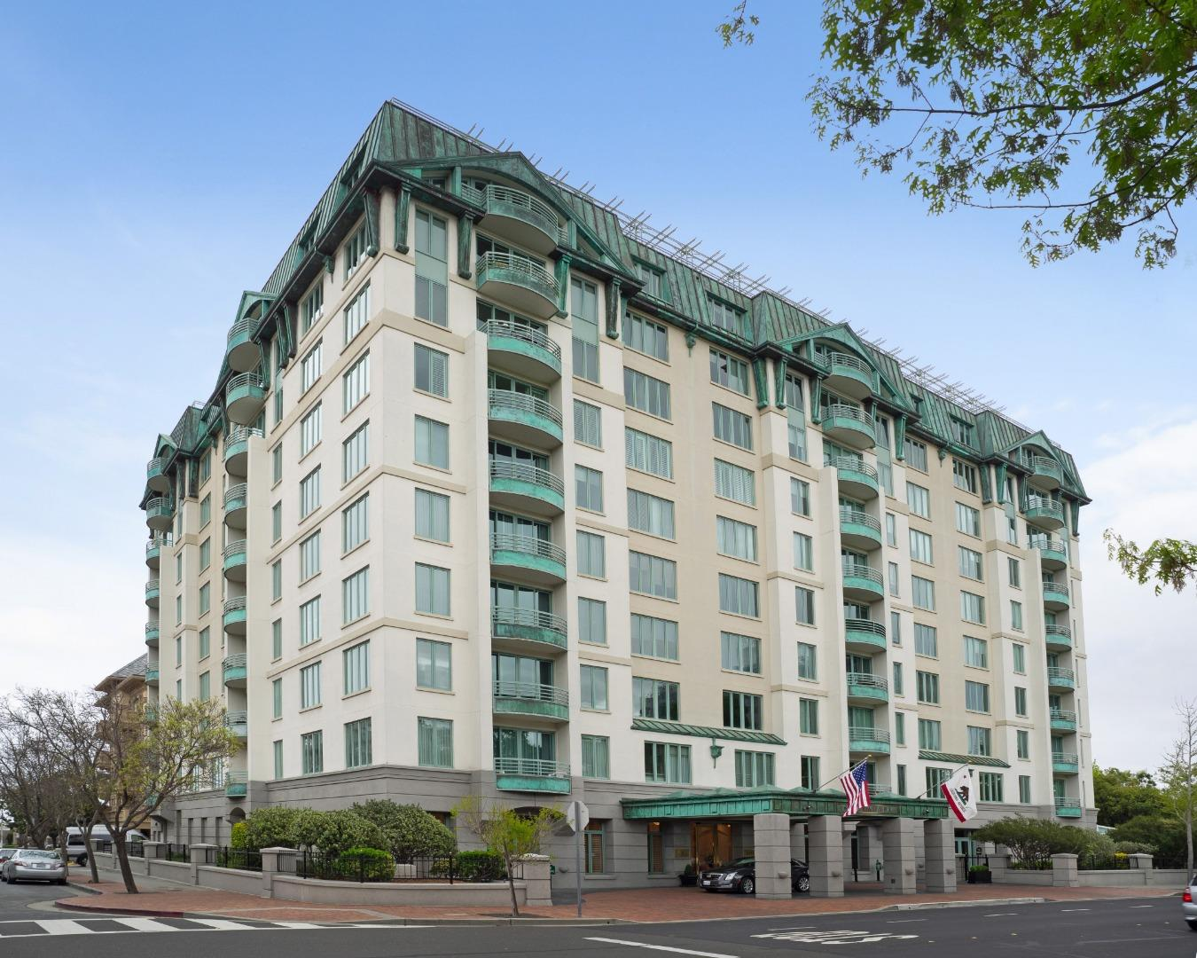 Detail Gallery Image 1 of 1 For 601 Laurel Ave #403,  San Mateo,  CA 94401 - 2 Beds | 2 Baths
