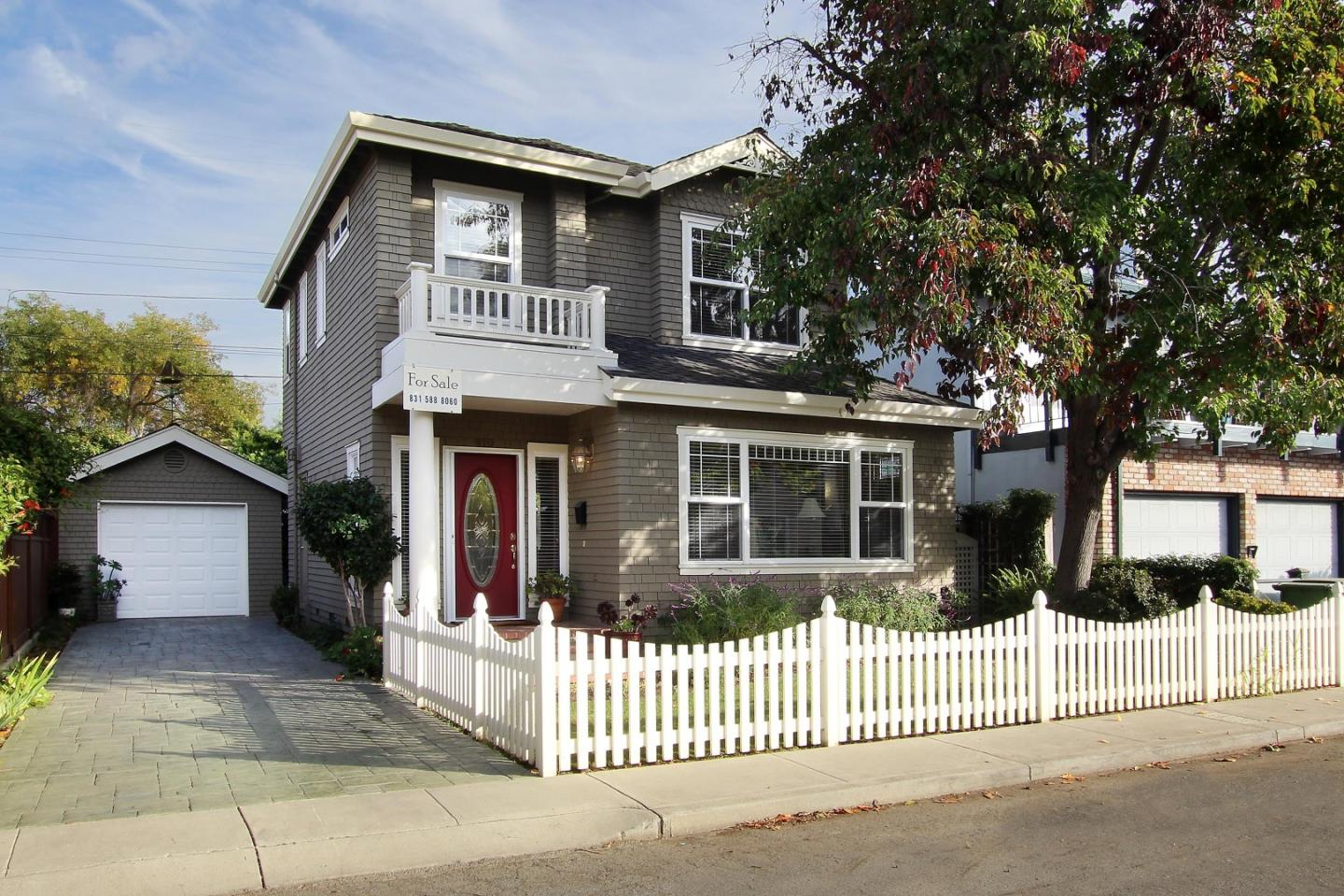 Detail Gallery Image 1 of 26 For 610 Gilroy Dr, Capitola,  CA 95010 - 2 Beds | 2/1 Baths
