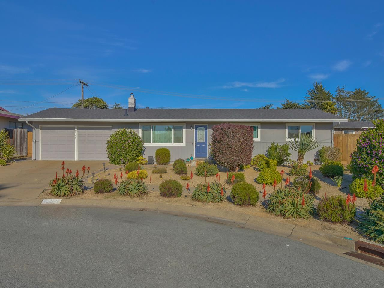 Detail Gallery Image 1 of 1 For 3196 Martin Cir, Marina,  CA 93933 - 3 Beds | 2 Baths