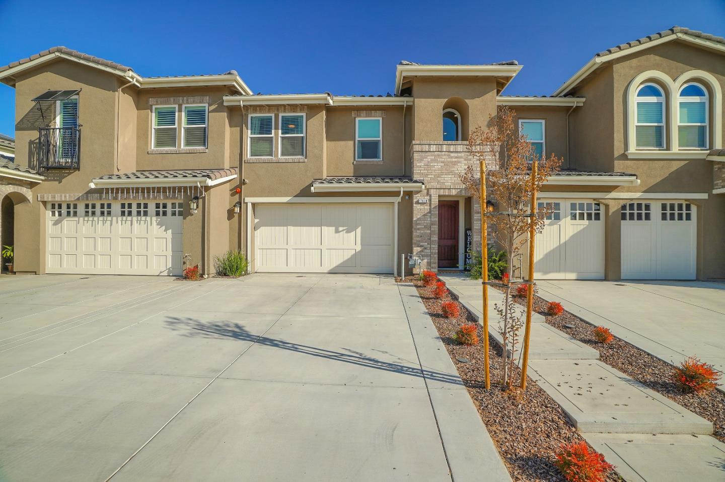 Detail Gallery Image 1 of 35 For 17830 Calle Granada, Morgan Hill,  CA 95037 - 3 Beds   2/1 Baths