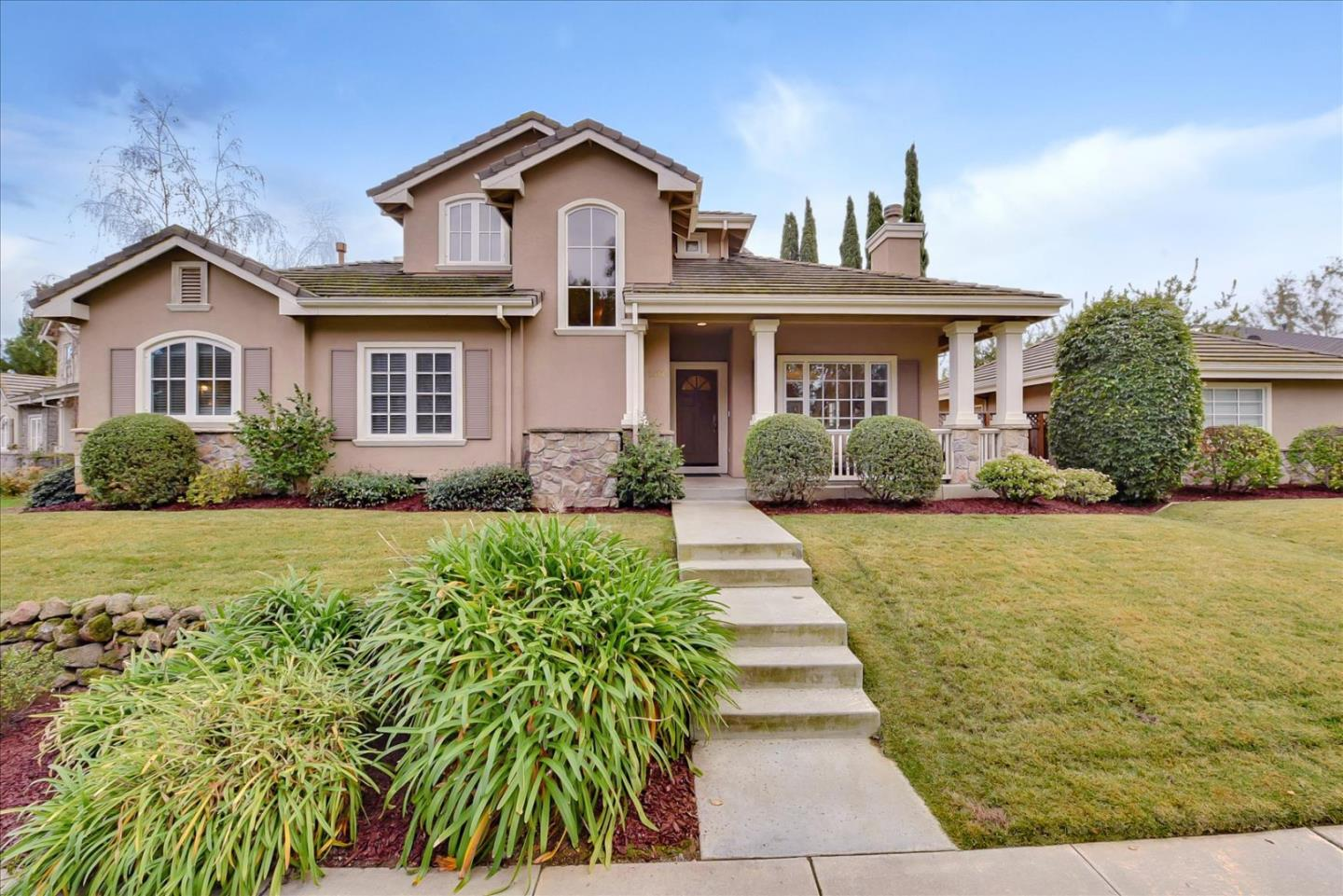 Detail Gallery Image 1 of 1 For 1072 Wallin Ct, Cupertino,  CA 95014 - 4 Beds | 3/1 Baths