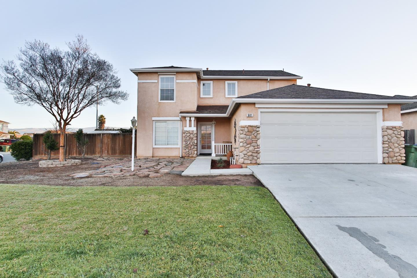 Detail Gallery Image 1 of 1 For 501 Ripley Cir, Gonzales,  CA 93926 - 4 Beds | 2/1 Baths