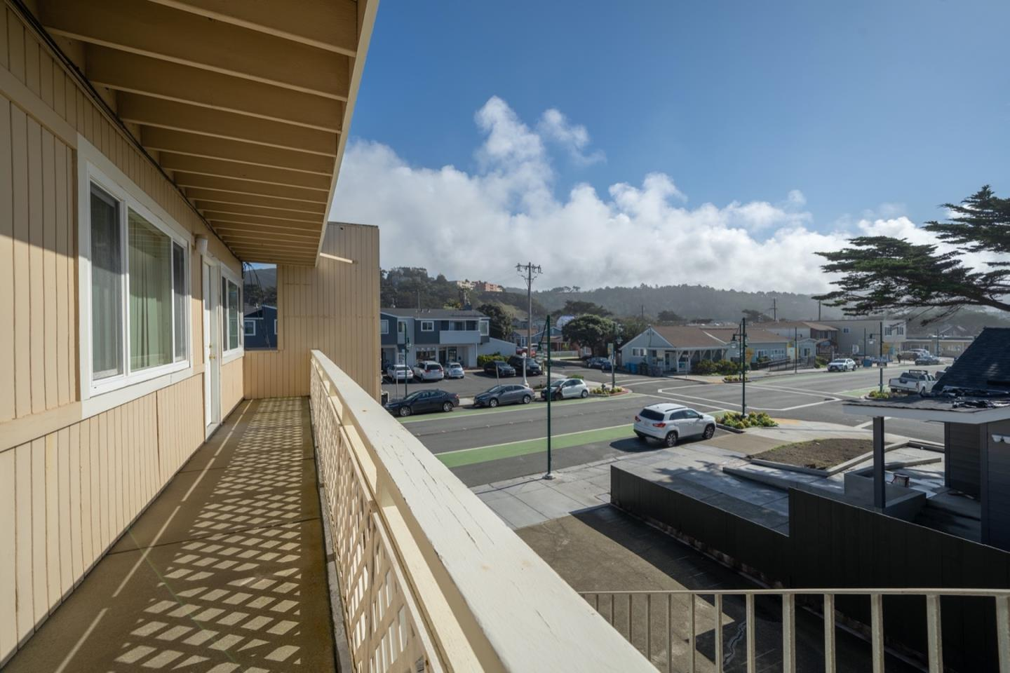 Detail Gallery Image 1 of 1 For 1722 Palmetto #1,  Pacifica,  CA 94044 - 1 Beds | 1 Baths