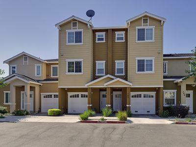 Detail Gallery Image 1 of 1 For 736 Paula Ct, San Jose,  CA 95126 - 2 Beds | 2/1 Baths