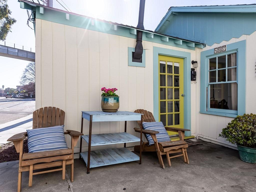 Detail Gallery Image 1 of 1 For 407 Capitola Ave, Capitola,  CA 95010 - 1 Beds | 1 Baths