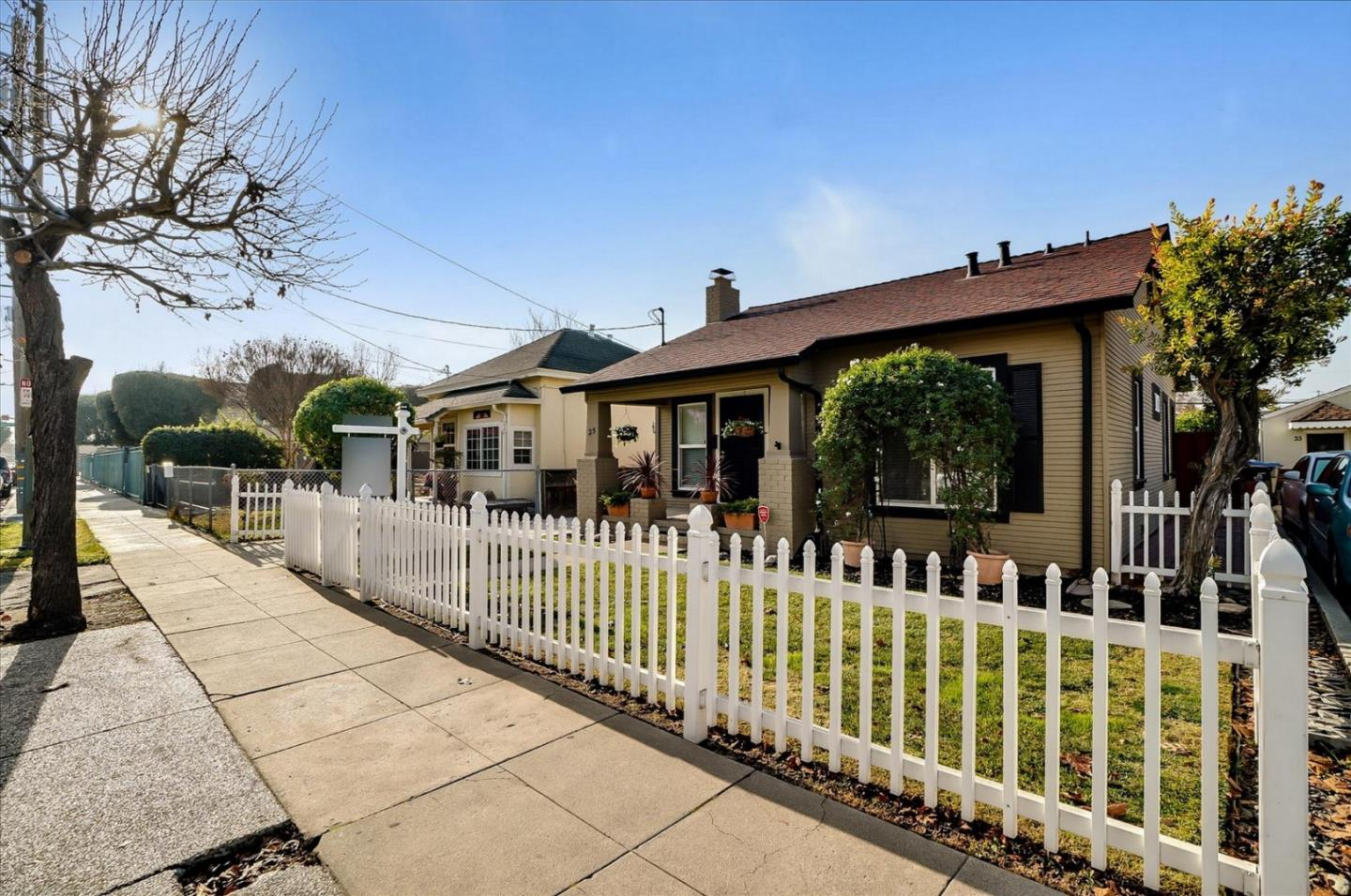 Detail Gallery Image 1 of 1 For 25 N 26th St, San Jose,  CA 95116 - 2 Beds | 2 Baths