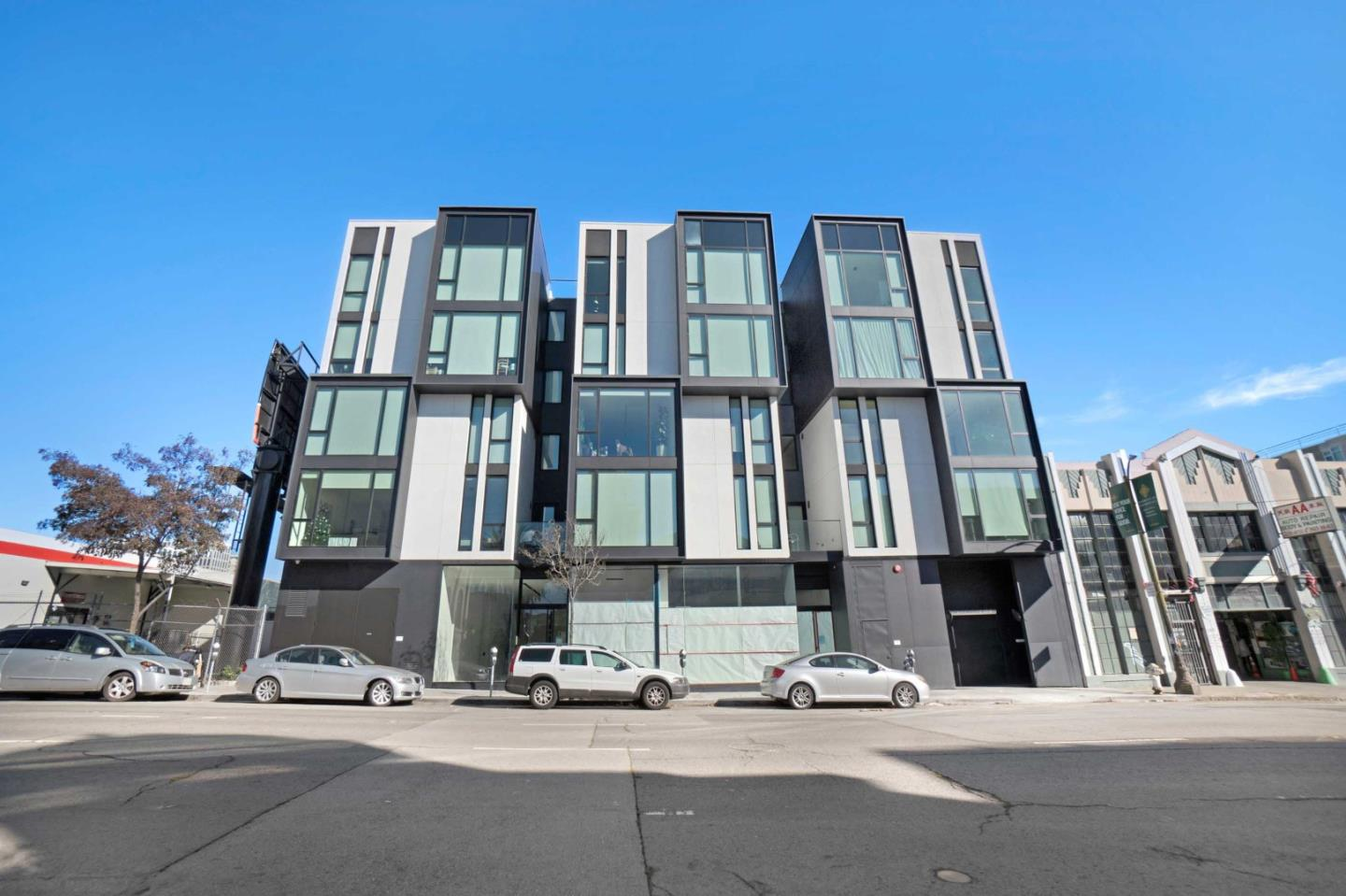 Detail Gallery Image 1 of 1 For 241 10th St #303,  San Francisco,  CA 94103 - 2 Beds   2 Baths