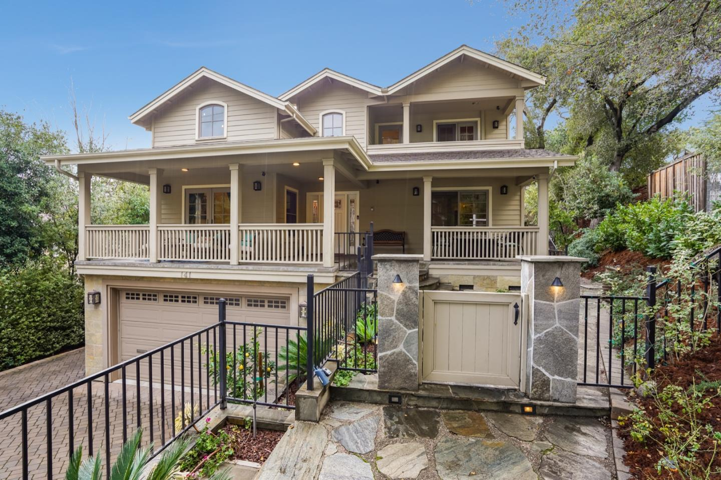 Detail Gallery Image 1 of 42 For 141 New York Ave, Los Gatos,  CA 95030 - 4 Beds | 4 Baths