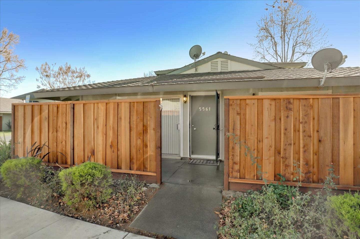 Detail Gallery Image 1 of 1 For 5561 Magnolia Ter, Fremont,  CA 94538 - 2 Beds | 1 Baths