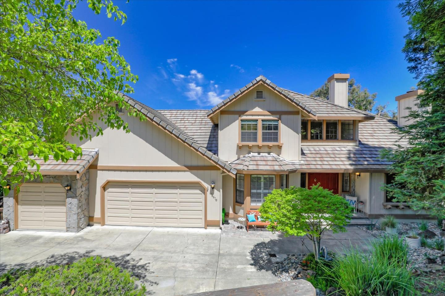Detail Gallery Image 1 of 1 For 17670 Black Oak Ct, Morgan Hill,  CA 95037 - 4 Beds | 3 Baths