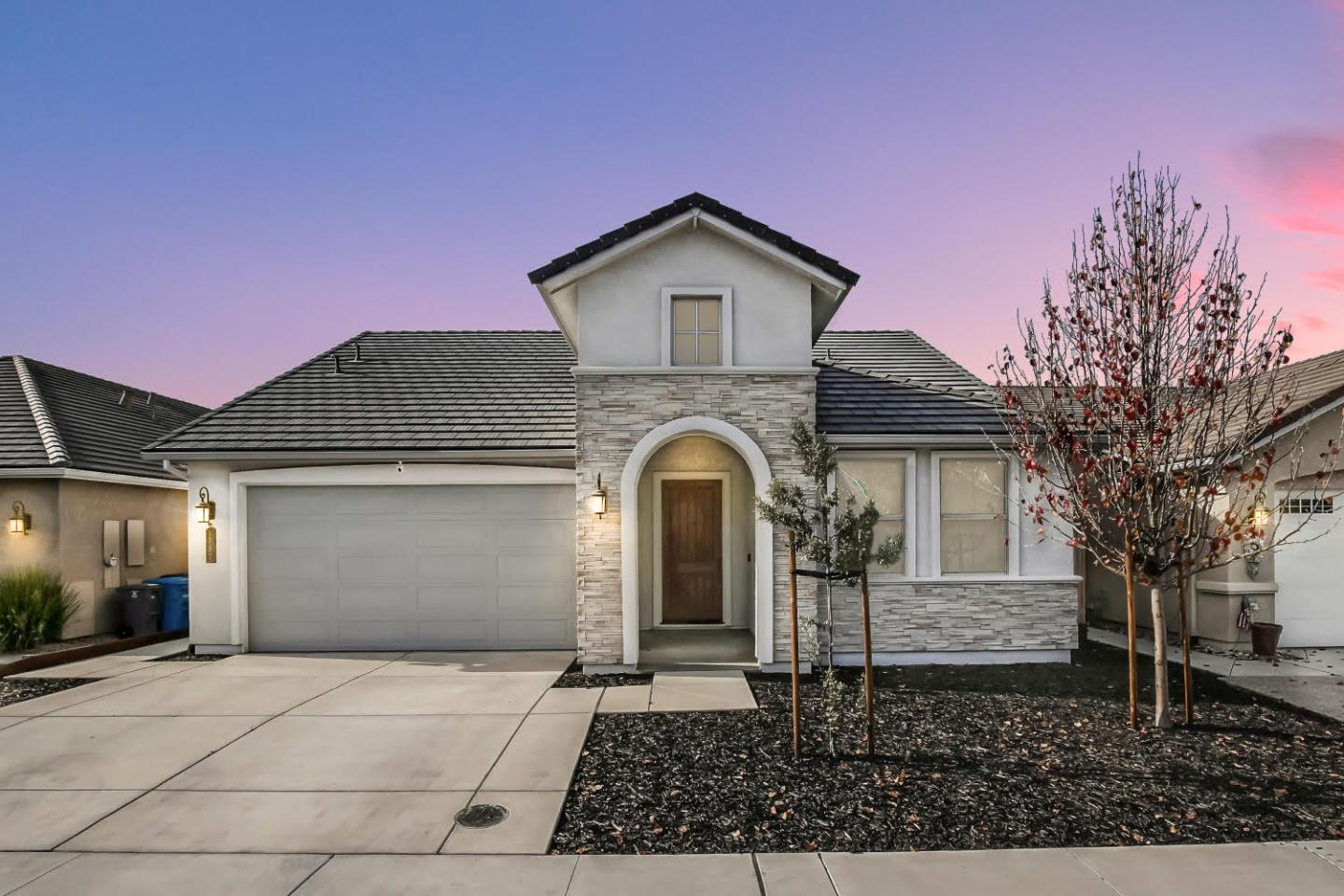 Detail Gallery Image 1 of 1 For 1552 Sunflower Dr, Hollister,  CA 95023 - 3 Beds | 2 Baths