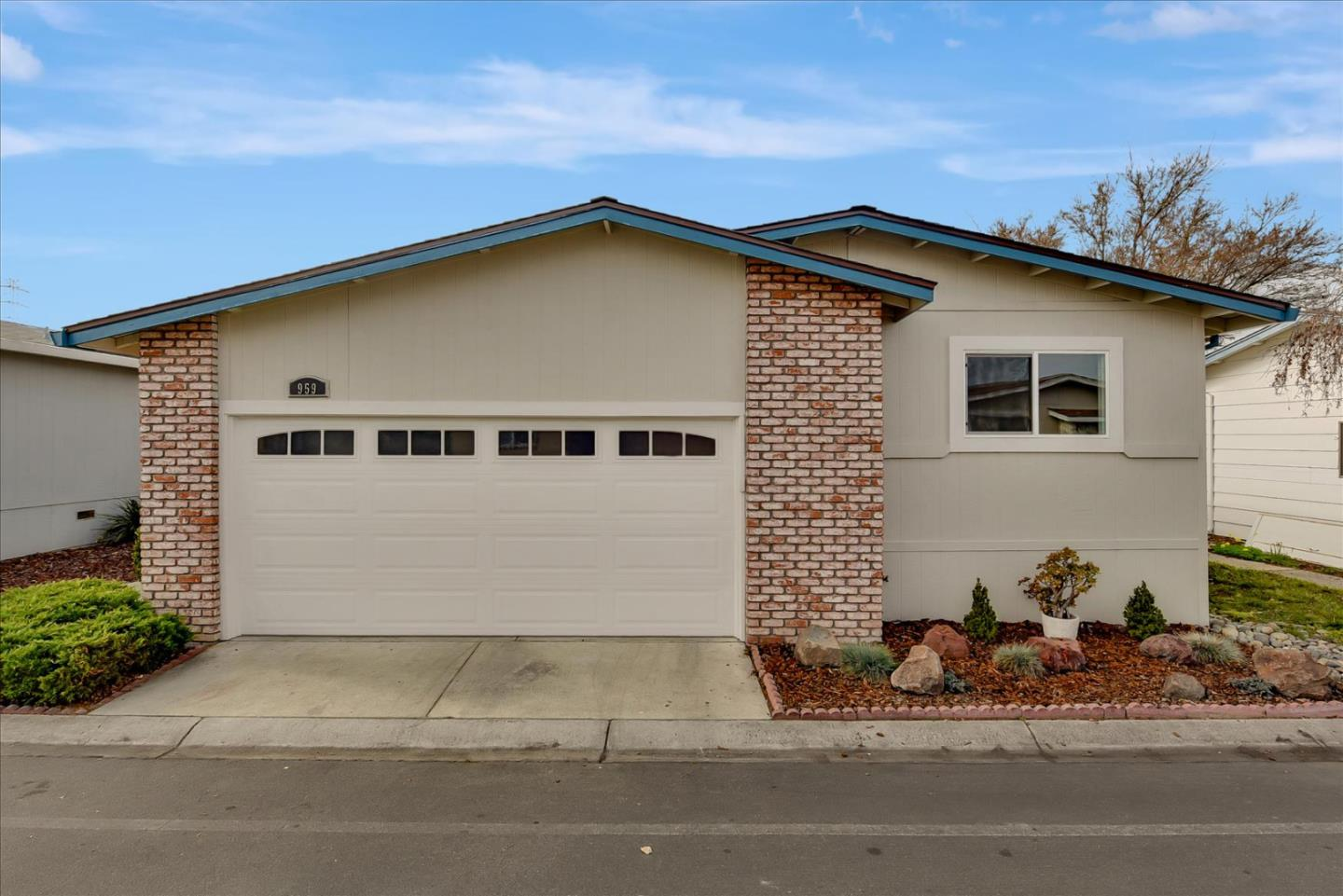 Detail Gallery Image 1 of 40 For 1225 Vienna Dr #959,  Sunnyvale,  CA 94089 - 2 Beds   2 Baths