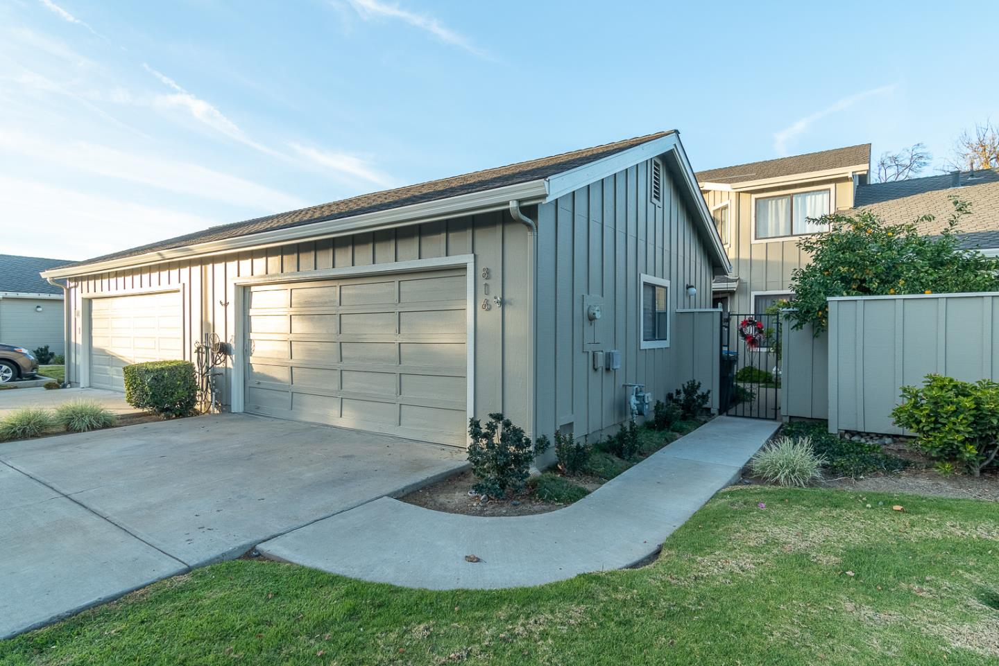 Detail Gallery Image 1 of 1 For 816 Duffin Dr, Hollister,  CA 95023 - 2 Beds | 2/1 Baths