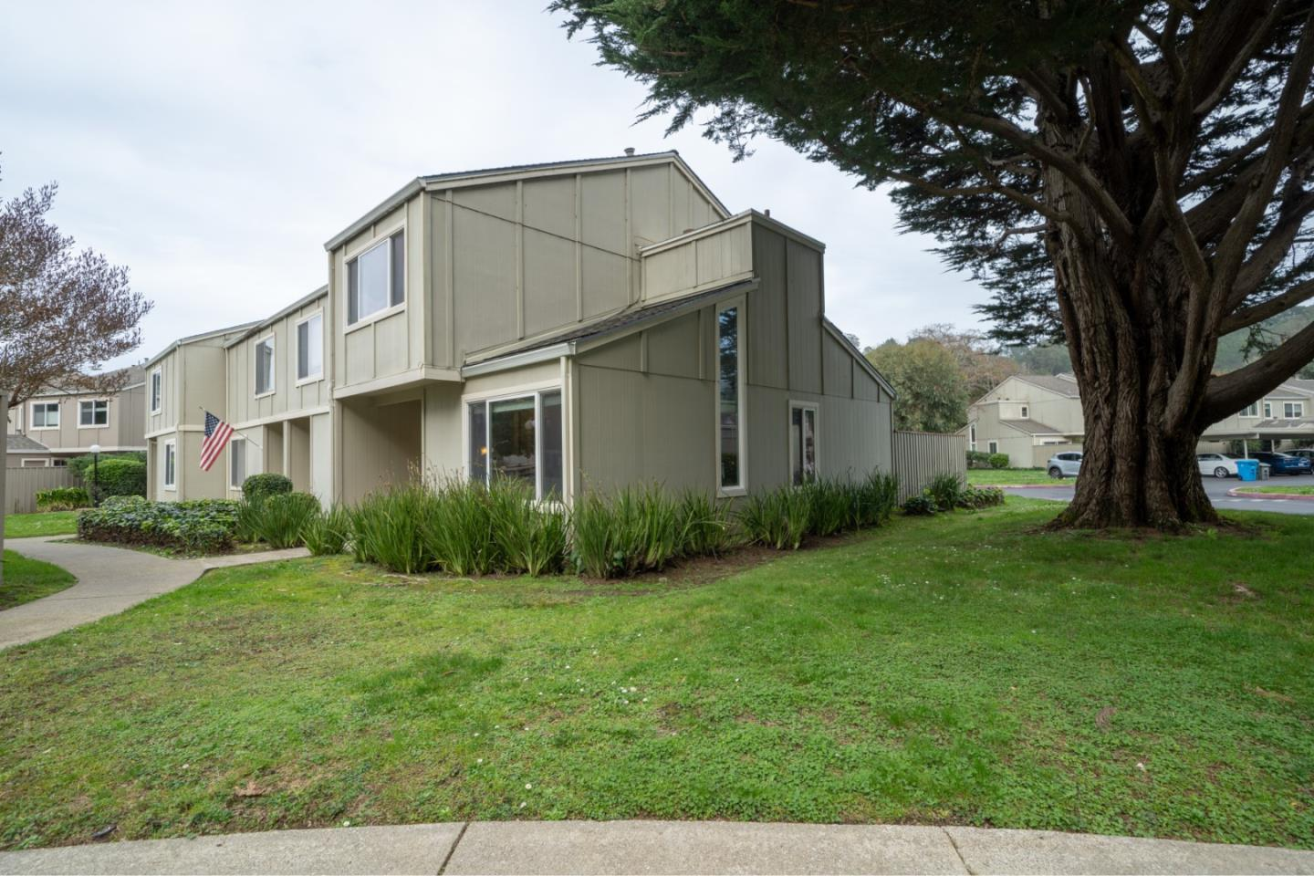 Detail Gallery Image 1 of 1 For 1267 Rosita Rd, Pacifica,  CA 94044 - 2 Beds | 1/1 Baths