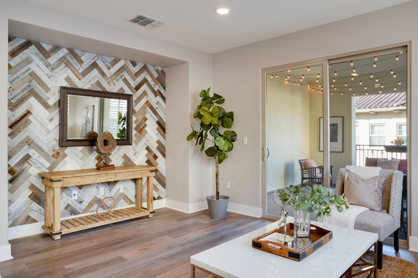 Detail Gallery Image 1 of 1 For 1091 Foxglove Pl #302,  San Jose,  CA 95131 - 3 Beds | 2/1 Baths