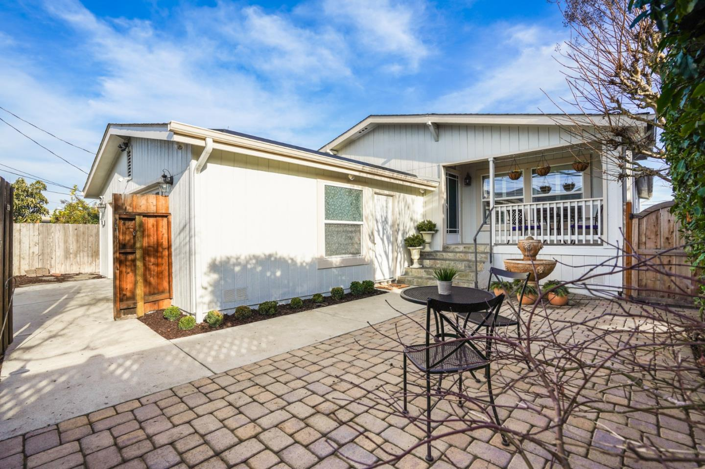 Detail Gallery Image 1 of 53 For 760 2nd Ave, Redwood City,  CA 94063 - 3 Beds | 2 Baths