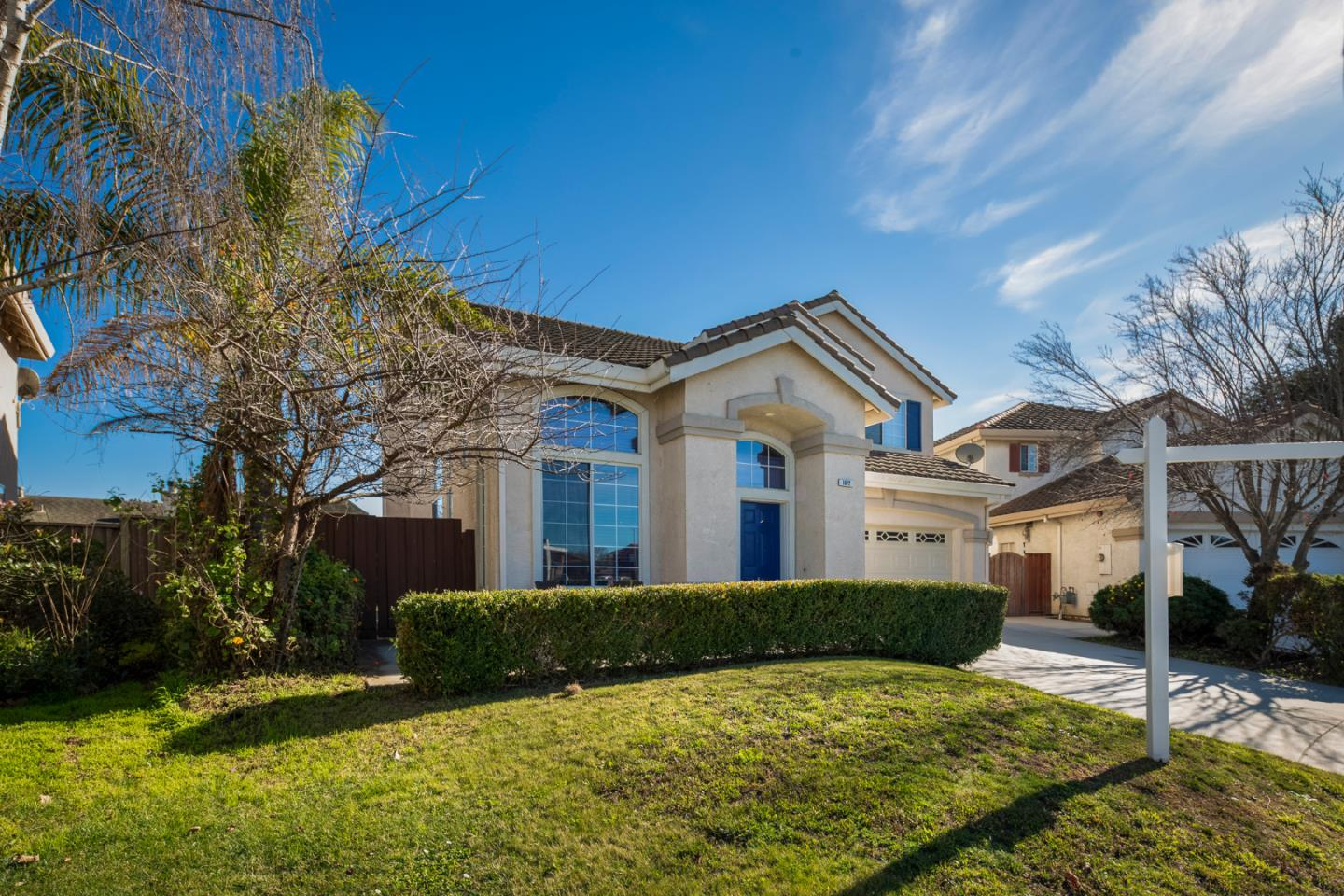 Detail Gallery Image 1 of 27 For 1872 Gamay Way, Salinas,  CA 93906 - 4 Beds | 2/1 Baths