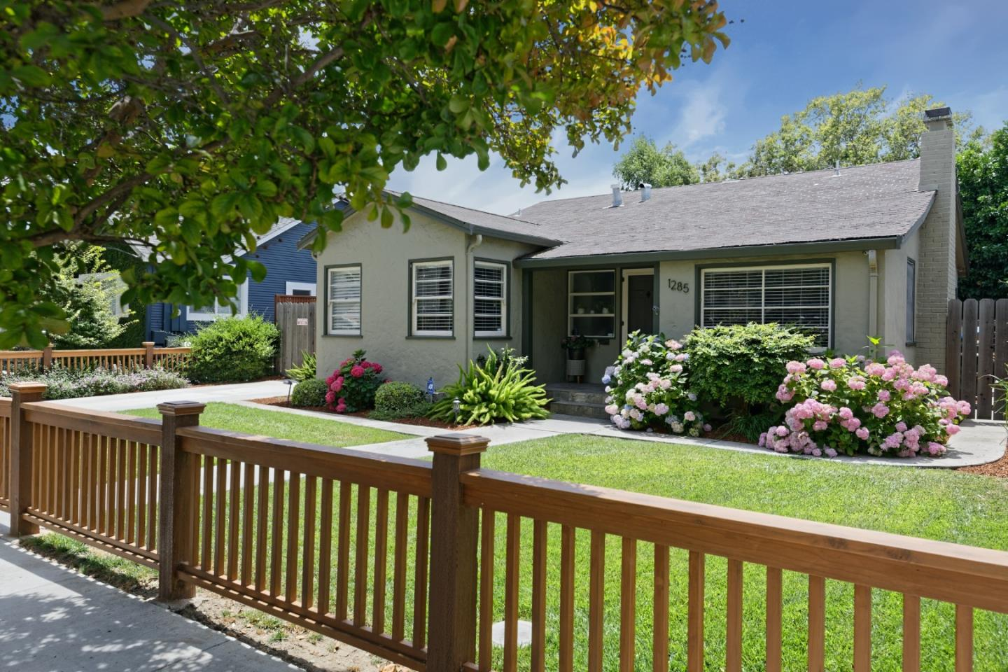 Detail Gallery Image 1 of 32 For 1285 Bird Ave, San Jose,  CA 95125 - 2 Beds | 1 Baths