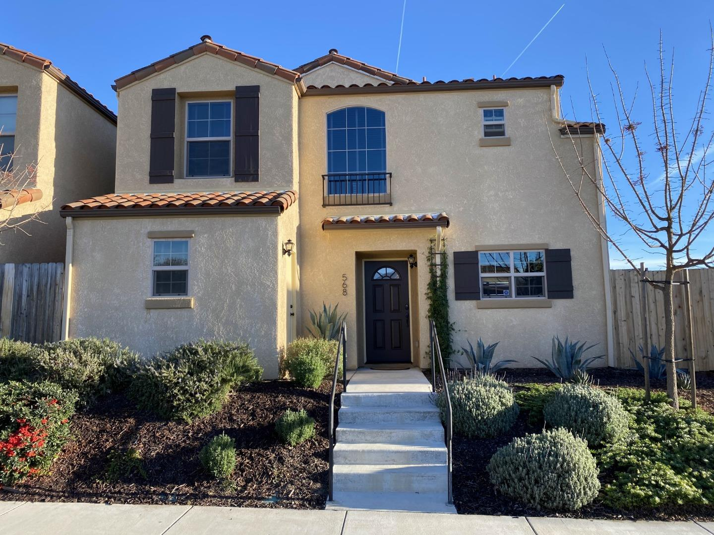 Detail Gallery Image 1 of 1 For 568 River Oaks Dr, Paso Robles,  CA 93446 - 3 Beds | 2/1 Baths