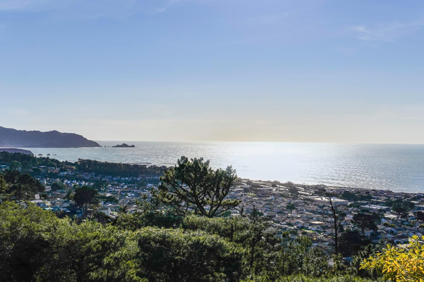 Detail Gallery Image 1 of 1 For 278 Beachview Ave #21,  Pacifica,  CA 94044 - 2 Beds | 2/1 Baths