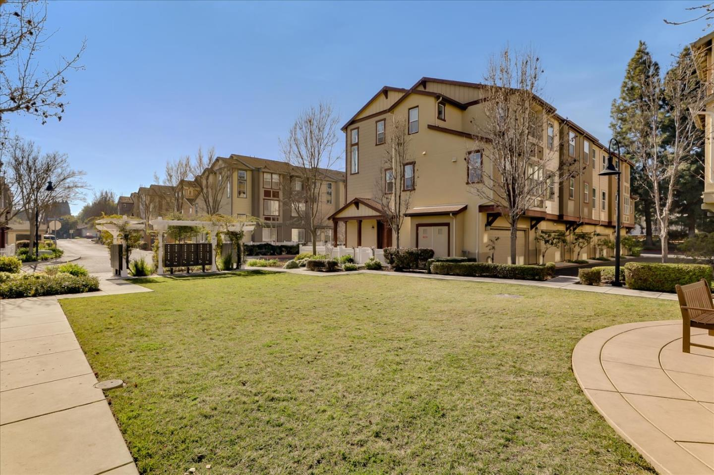 Detail Gallery Image 1 of 1 For 222 Peppermint Tree Ter #2,  Sunnyvale,  CA 94086 - 3 Beds | 3/1 Baths