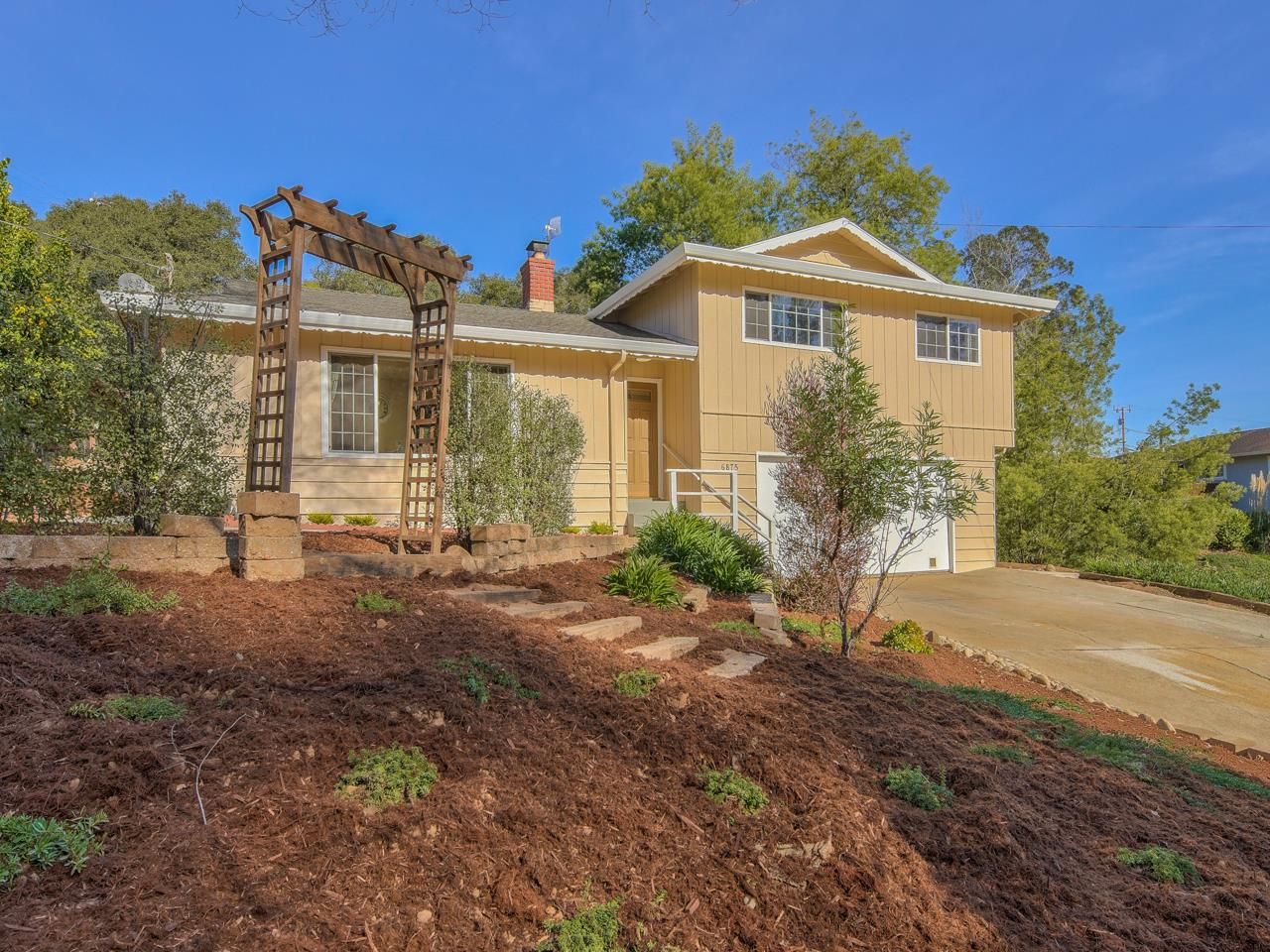 Detail Gallery Image 1 of 1 For 6875 Lakeview Dr. Dr, Prunedale,  CA 93907 - 3 Beds | 2 Baths