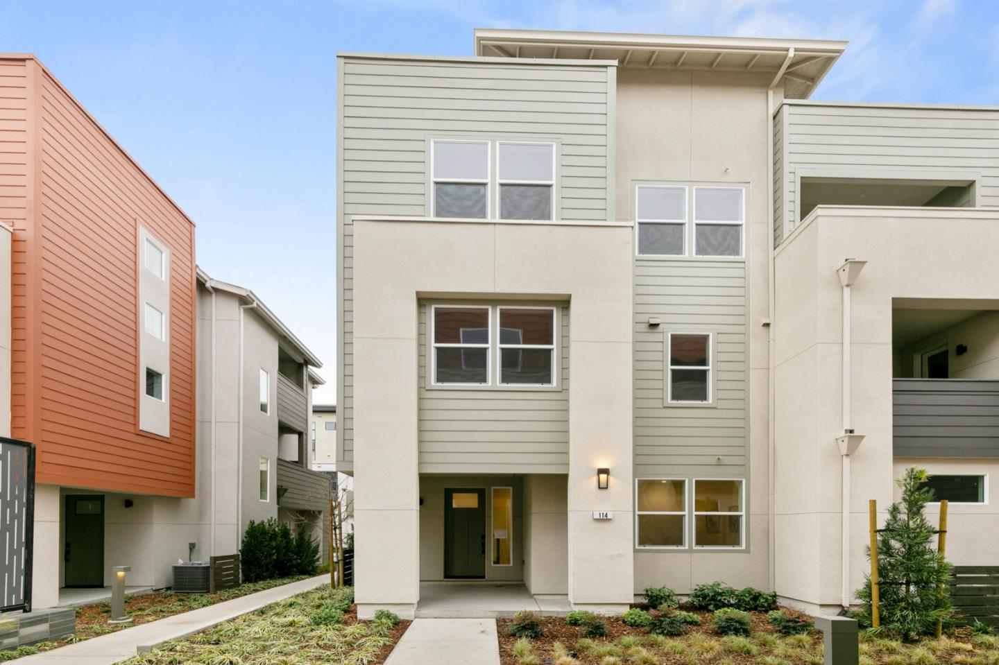 Detail Gallery Image 1 of 1 For 2933 Lamory Pl #114,  Santa Clara,  CA 95051 - 4 Beds | 3/1 Baths
