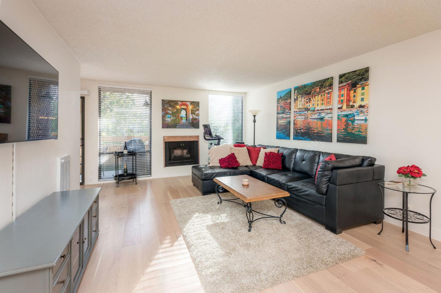 Detail Gallery Image 1 of 30 For 1151 Compass Ln #114,  Foster City,  CA 94404 - 1 Beds | 1 Baths