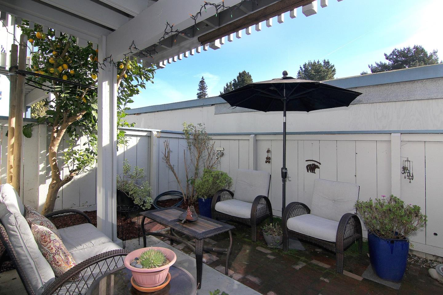 Do you like sunshine? Are you looking for a home in a great location? How do you feel about living in one of the best homes in the Villas of Capitola? If you answered yes to at least one of these questions, grab your Realtor & check out this home. This property is move-in ready! The location is outstanding! You'll feel happy and healthy as you walk to the organic grocery stores, visit the local library & walk to the beach. Yes, the BEACH! You'll really love where you live and that's important!