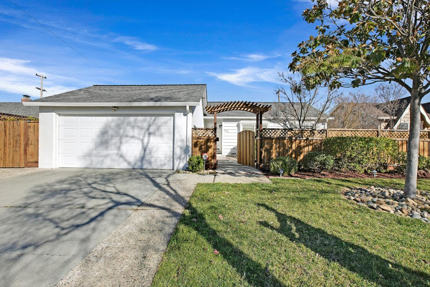 Detail Gallery Image 1 of 1 For 935 Scott Ct, Campbell,  CA 95008 - 3 Beds | 2 Baths